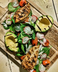 Evenving meals that pack a punch. Mexican spiced Chicken with avocado and Spinach Salad.